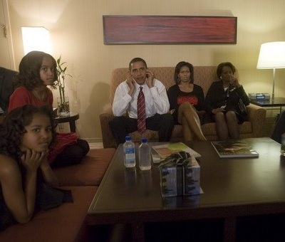 Obama_behind_the_scenes_election_night_1